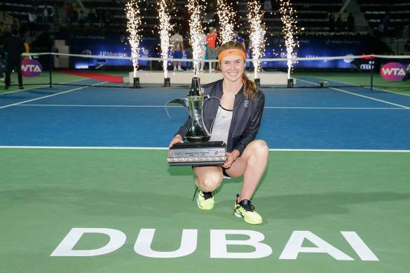 dubai-2017-wta-final-svitolina-trophy-4-1080